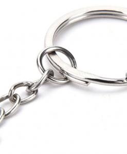 sleutelhanger-keychain van metaal met kettinkje